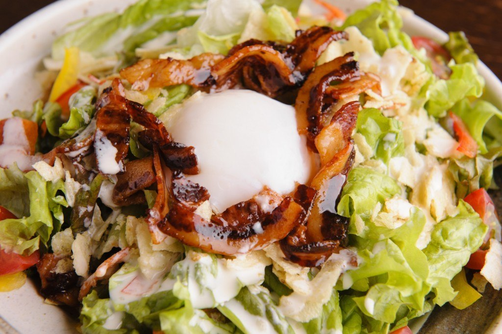 特性サラダのサムネイル画像